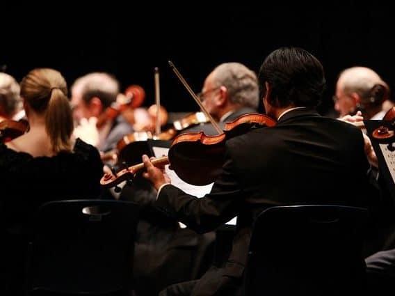 Orchester während eines Konzerts