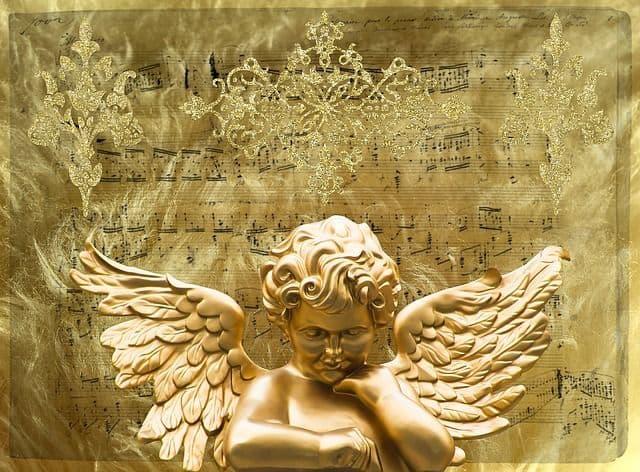 Engel mit Noten im Hintergrund